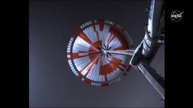 ویدیو شگفتانگیز فرود مریخ نورد استقامت روی سیاره سرخ را از دست ندهید