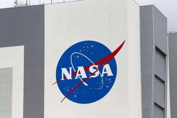 ناسا پروژه ساخت ماه نشین اسپیس ایکس را متوقف کرد