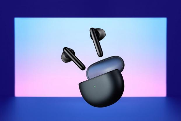 تکمیل سبد محصولات اوپو با معرفی یک ایرباد بیسیم، تلویزیون هوشمند و مچبند سلامت