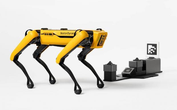 نمایش قابلیتهای جدید سگ رباتیک اسپات در تازهترین ویدیوهای بوستون داینامیکس