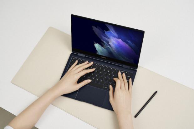 لپ تاپ هیبریدی سامسونگ گلکسی بوک پرو ۳۶۰ معرفی شد؛ باریک مانند یک موبایل