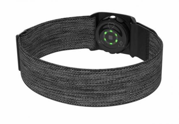 دستبند هوشمند پلار بر ضربان قلب شما نظارت میکند